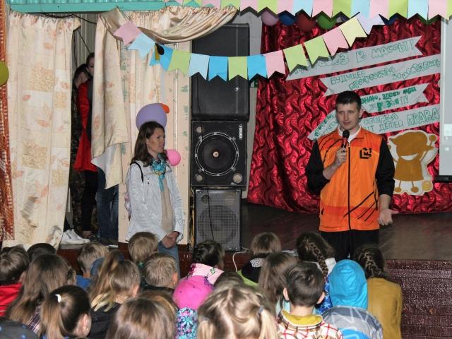 Председатель молодежной организации предприятия Руслан Кайгородов рассказывает о работе завода.