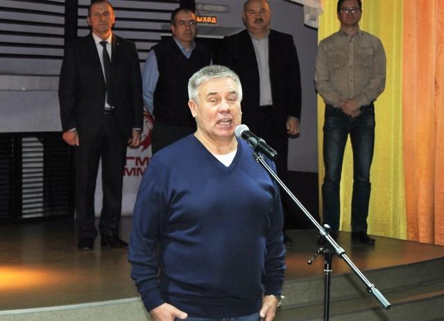 Председатель Свердловского обкома ГМПР Валерий Кусков приветствует участников Спартакиады.