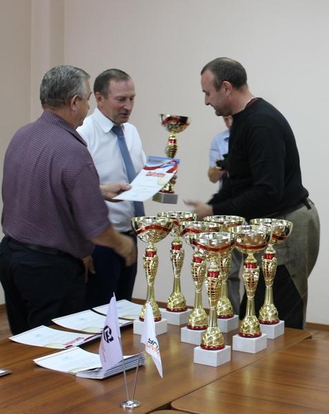 Награждение физорга ЭСПЦ Федорова А.А.JPG